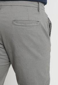 Jacamo - CAPSULE STRETCH PLUS - Chinos - light grey - 5