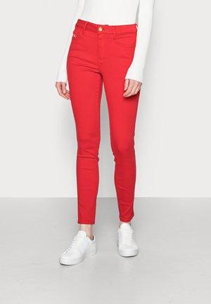ICON HARLEM SKINNY - Jeans Skinny Fit - red