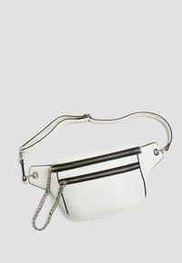 PULL&BEAR - Bum bag - white - 3