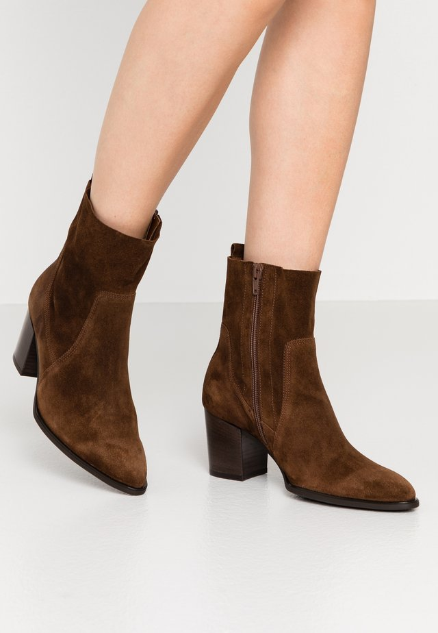 Cowboy/biker ankle boot - whisky