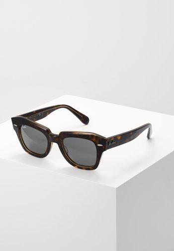 STATE STREET - Sluneční brýle - brown