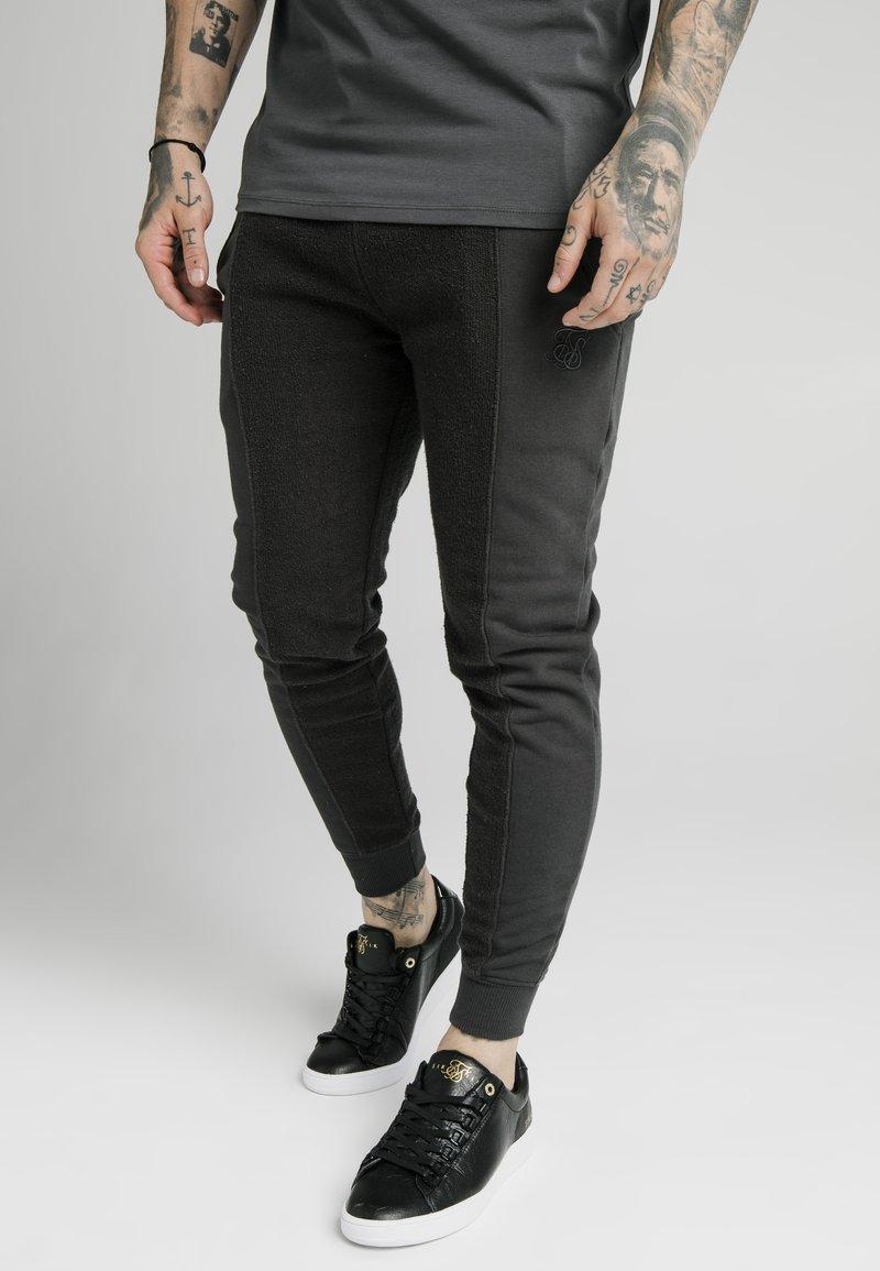 SIKSILK - Pantaloni sportivi - washed grey