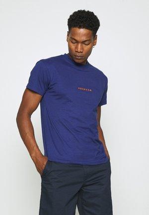 ESSENTIAL REGULAR UNISEX  - T-shirt med print - blue