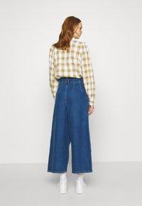 Gestuz - DEAGZ GAUCHO  - Relaxed fit jeans - denim blue - 2