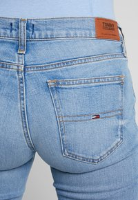 Tommy Jeans - MID RISE 1979 - Jeansy Bootcut - utah lt bl com - 3