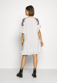 YAS - TUNIC FEST - Day dress - star white - 2