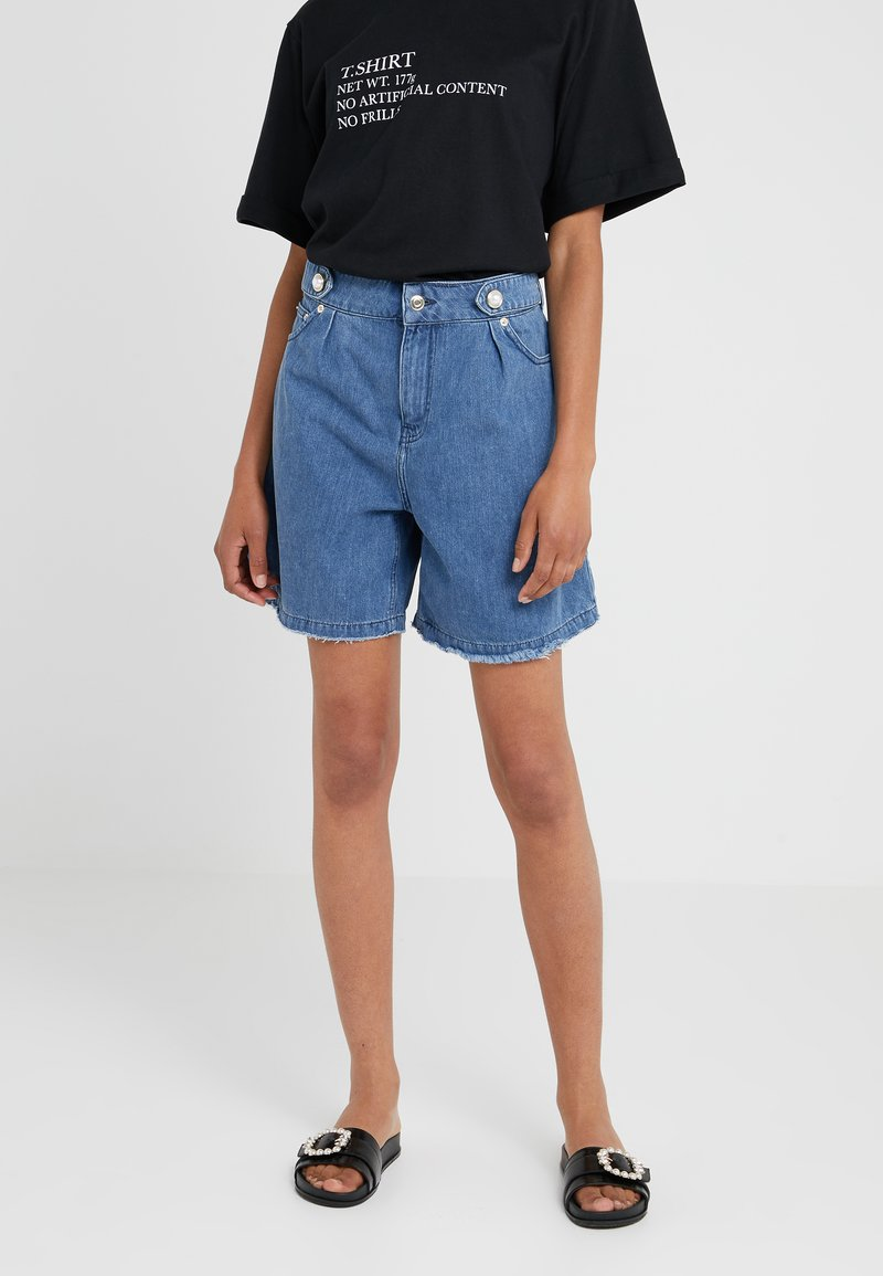 Mother of Pearl - DYLLAN - Denim shorts - stone wash
