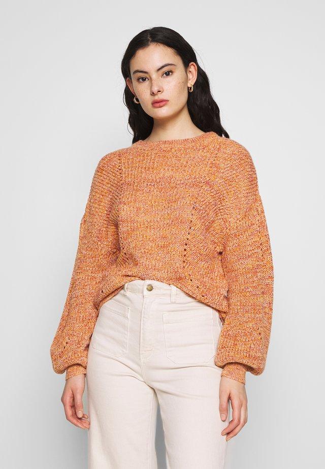 VISEE - Pullover - apricot/mauve/white