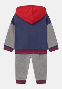 Guess - ACTIVE BABY SET  - Survêtement - grey - 1