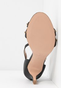 Trussardi - Korolliset sandaalit - black - 6