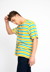 Urban Threads - OVERSIZED TEE UNISEX - T-shirts print - yellow - 4