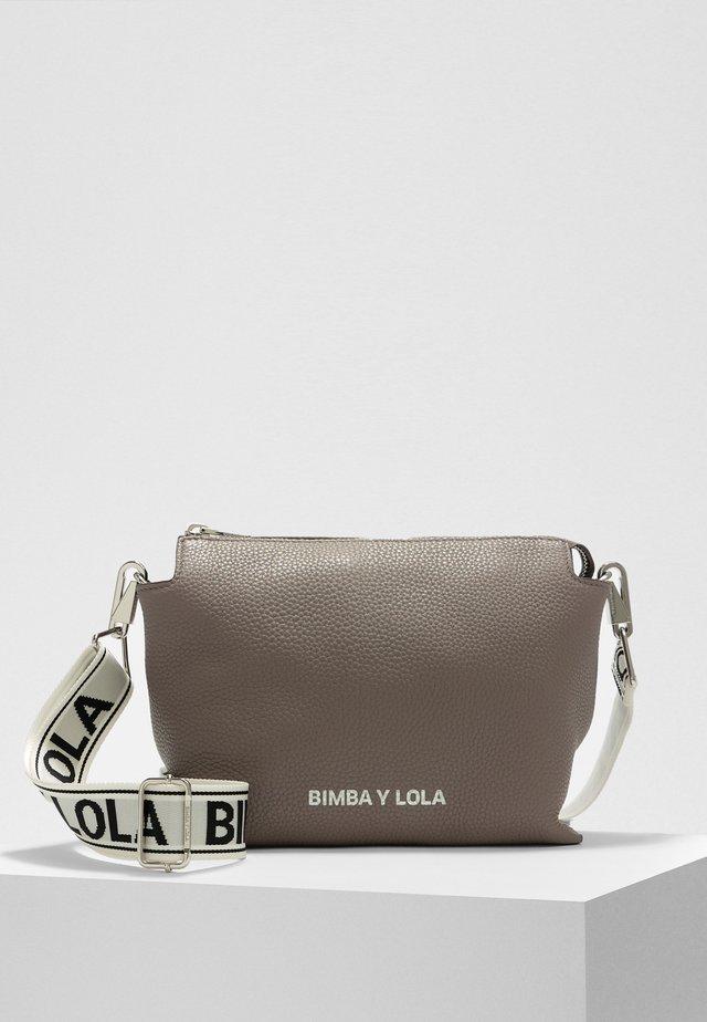 BIMBA Y LOLA L GREY LEATHER RECTANGULAR CROSSBODY BAG - Across body bag - grey