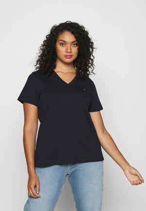 NEW V NECK TEE - Basic T-shirt - desert sky
