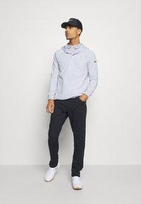 Nike Golf - DRY PLAYER - Funkční triko - white/sky grey/brushed silver - 1