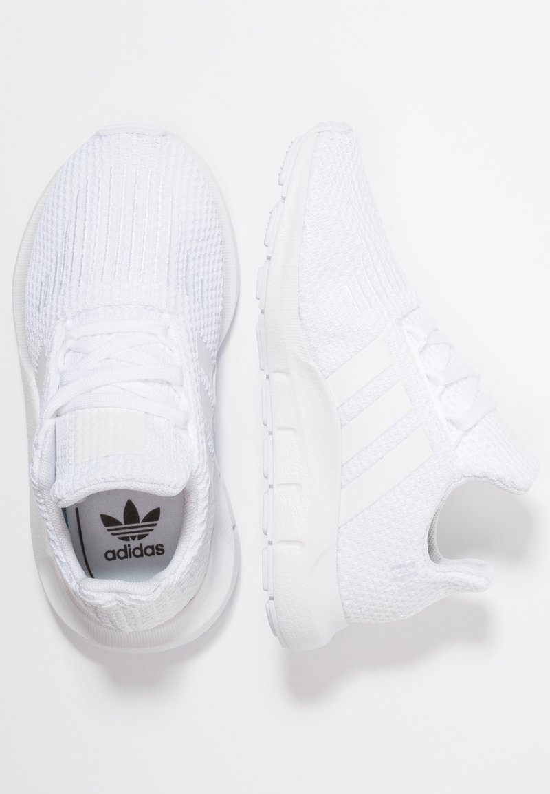 adidas Originals - SWIFT RUN - Trainers - footwear white