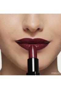 Bobbi Brown - LUXE LIP COLOR - Lipstick - color crimson - 4
