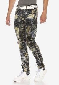 Cipo & Baxx - COOLER WASCHUNG UND ZIERNÄHTEN - Straight leg jeans - khaki - 4