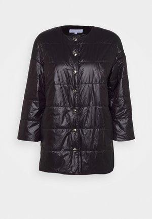 RUSSLAND - Kabát zprachového peří - nero