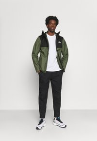 The North Face - QUEST ZIP IN JACKET - Chaqueta Hard shell - thyme/black - 1