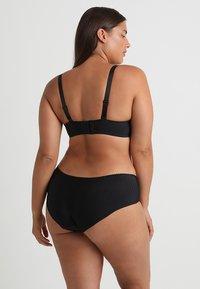 Curvy Kate - LUXE - Pants - black - 2