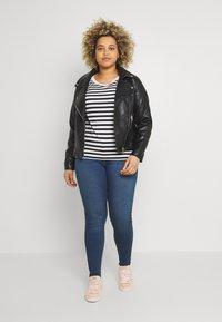 Noisy May Curve - NMCALLIE WESTERN - Jeans Skinny Fit - medium blue denim - 1