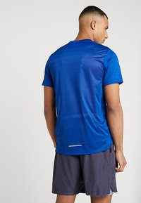 Nike Performance - DRY MILER - T-shirt print - indigo force/blue void/reflective silver - 2