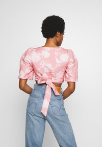 Forever New - PUFF SLEEVE WRAP - Blouse - pink - 2