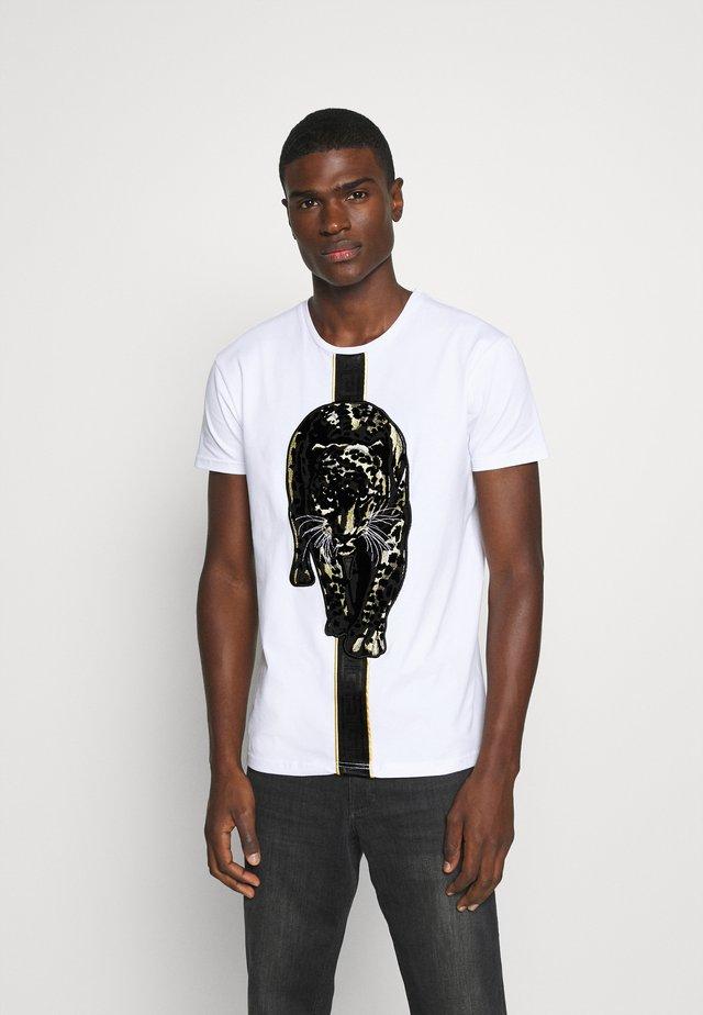HATHIAN  - T-shirt imprimé - white