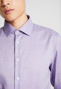 Seidensticker - SLIM FIT - Košile - purple - 5