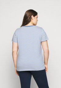 Levi's® Plus - PERFECT CREW - Print T-shirt - silphium blue - 2