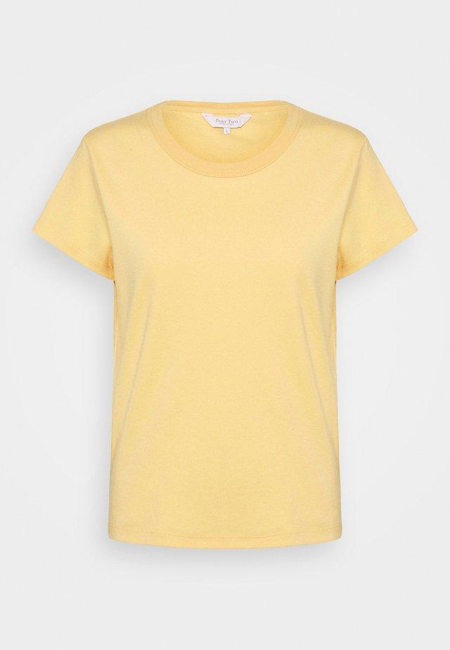 RATANPW - Jednoduché triko - sahara sun
