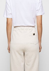 Mother of Pearl - ORGANIC PEARL CORD STOPPER - Tracksuit bottoms - oatmeal - 3