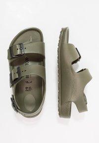 Birkenstock - MILANO KIDS - Sandały kąpielowe - khaki - 0