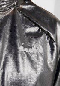Diadora - X-RUN JACKET - Chaqueta de deporte - black - 6