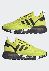 adidas Originals - ZX 2K BOOST UNISEX - Tenisky - acid yellow/core black/footwear white - 9