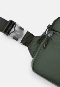 Nike Sportswear - UNISEX - Across body bag - sequoia/oil green/black - 3