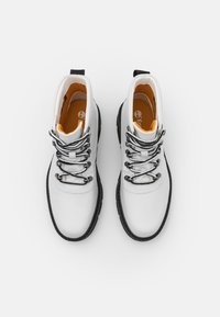 Timberland - RAYWOOD ALPINE HIKER - Lace-up ankle boots - white - 5