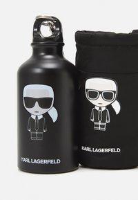 KARL LAGERFELD - IKONIK WATER BOTTLE & HOLDER 360 ml - Otros accesorios - black - 5