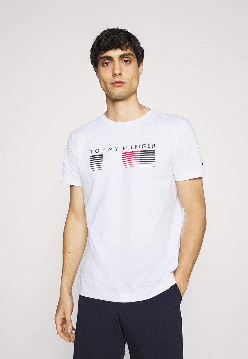 Tommy Hilfiger - FADE GRAPHIC CORP TEE - Triko spotiskem - white