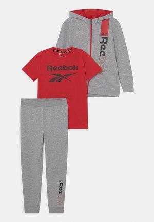 HOODIE SET - Print T-shirt - grey