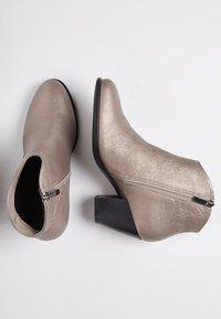 ECCO - SHAPE WESTERN - Ankle boots - warm grey - 1