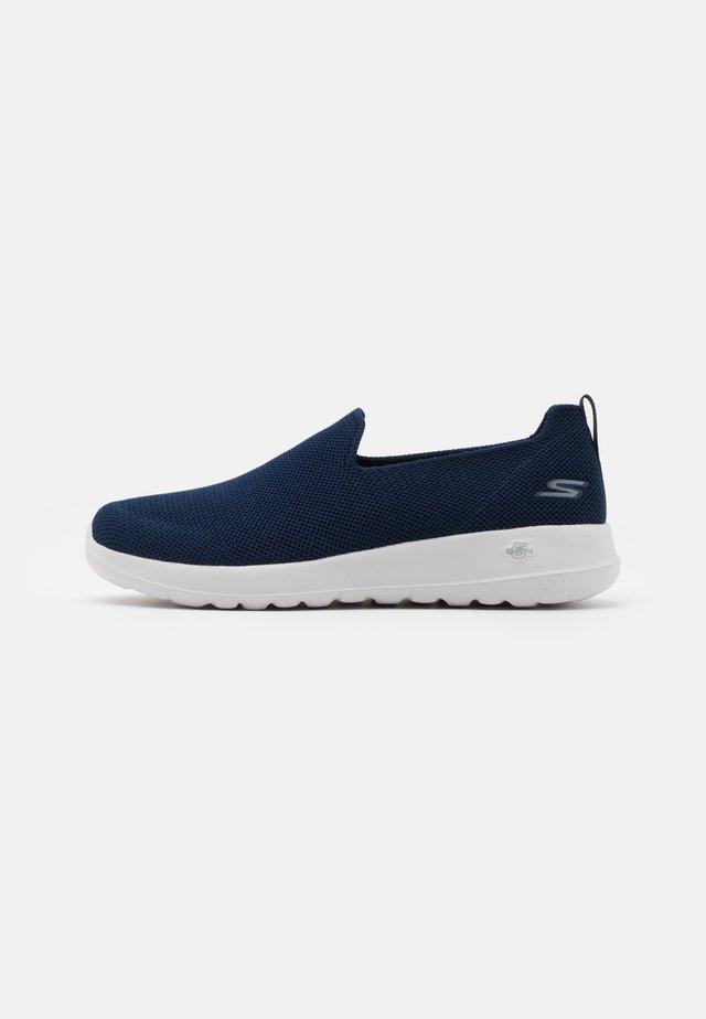 GO WALK MAX - Sportieve wandelschoenen - navy