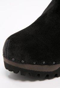Softclox - BOOTIE - Platform ankle boots - bailey schwarz - 6