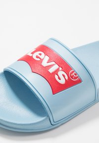 Levi's® - POOL - Ciabattine - light blue - 2