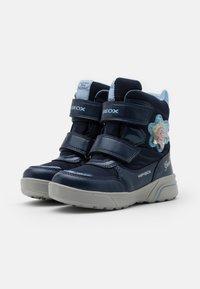 Geox - DISNEY FROZEN SVEGGEN GIRL ABX GEOX - Winter boots - Winter boots - navy/sky - 1