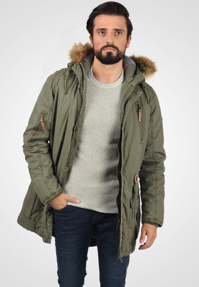 SOLID CLARK - Winter coat - ivy green