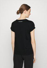 KARL LAGERFELD - IKONIK KARL POCKET TEE - Print T-shirt - black - 2