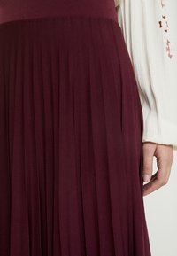 Anna Field - Plisse A-line midi skirt - A-line skjørt - winetasting - 4