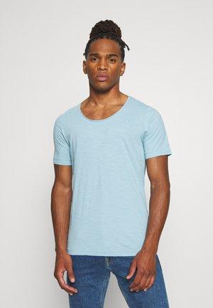 ALKYNE SLIM  - T-shirt basic - deep sky