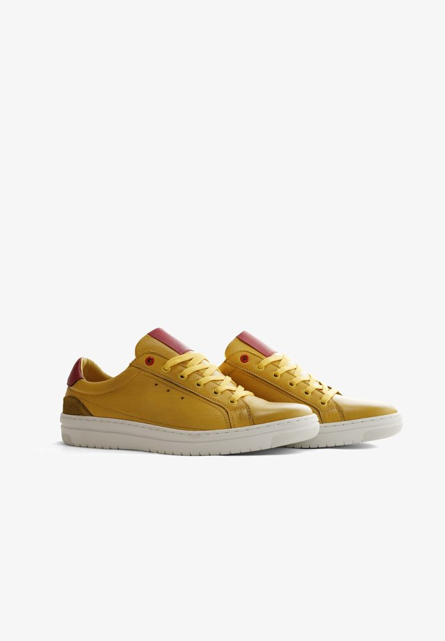 A.B.MULLETT - Sneakers laag - yellow
